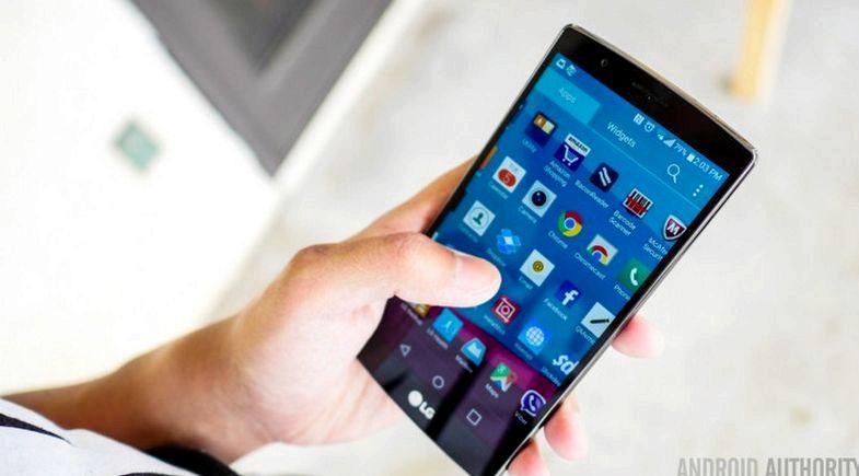 Android-puhelimen kosketusnäyttö ongelmia ladattaessa