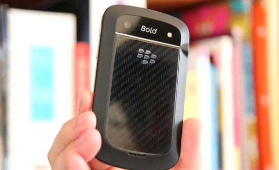 BlackBerry Bold 9900 sammuu, kun lataus
