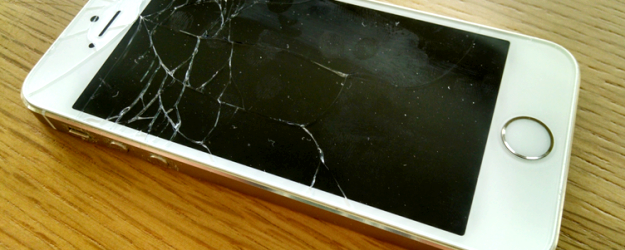 Incrinato il mio schermo iphone cosa devo fare