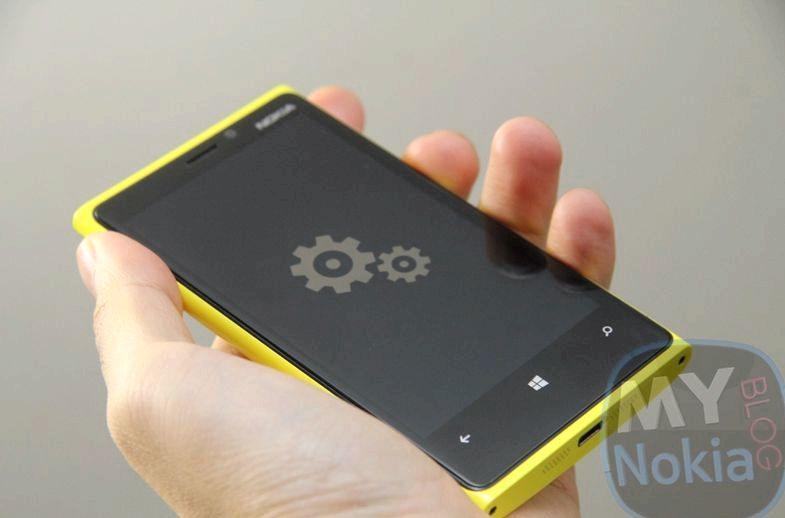 Nokia 920 jäätyy ladattaessa