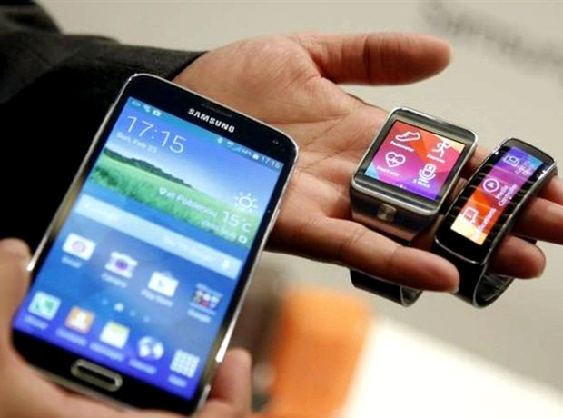 What phones is the samsung galaxy gear compatible with